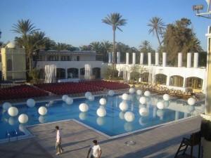 Le ballon finalement c'est hip dans Salle Djerba-peugeot-Ev-04-300x225